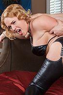 Анал с пышной блондинкой в кожаном эротическом костюме #4