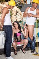 Смотреть групповой секс начальницы с тремя мужиками #2