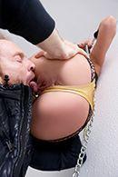 Смотреть порно с выразительной стройной блондинкой в эротическом белье #4