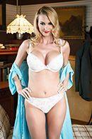 Порно лысого доктора с опытной сиськатой блондинкой #1
