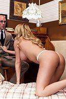 Порно лысого доктора с опытной сиськатой блондинкой #2