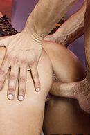 Смотреть вагинальный секс с пышногрудой брюнеткой в ресторане #4