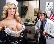 Смотреть секс сисястой блондинки с доктором - 1
