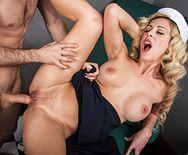 Смотреть секс сисястой блондинки с доктором - 3
