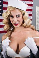 Смотреть секс сисястой блондинки с доктором #2