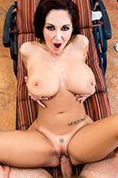 Смотреть горячее порно с привлекательной девушкой у бассейна #4