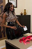 Межрасовый секс босса с темнокожей секретаршей #2