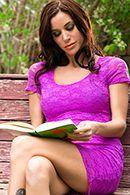Смотреть двойное проникновение с ненасытной дамой в фиолетовых чулках #2