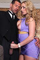 Порно парень жестко ебет в анал опытную блондинку #2