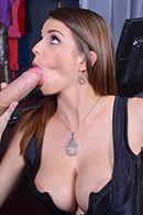 Горячий секс с молоденькой девушкой в эротическом белье #4