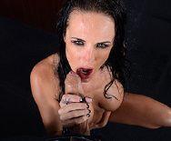 Смотреть порно босса с роскошной привлекательной брюнеткой - 2