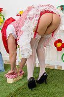 Смотреть анал с молоденькой блондинкой в саду #2
