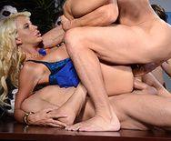 Смотреть групповое порно с двойным проникновением с красивой секретаршей с большими сиськами - 4