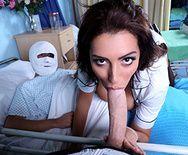 Смотреть красивый трах доктора с медсестрой с большими сиськами в палате - 1