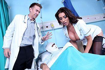 Смотреть секс элитной медсестры с доктором в палате