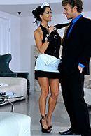 Порно босса со зрелой горничной в латексном костюме #2