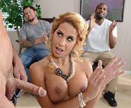 Смотреть безумный секс лысого со зрелой блондинкой - 3