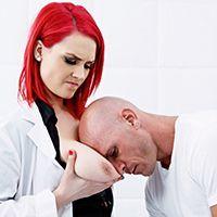 Порно доктора с красоткой с шикарной попкой