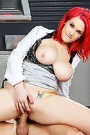 Порно доктора с красоткой с шикарной попкой #5