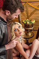 Секс втроем с горячими шлюшками #2