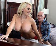 Вагинальный секс с красивой блондинкой с шикарными формами - 2