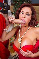Порно рыжей женщины с Сантой #3