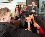 Горячее порно молодого сотрудника с горячей начальницей в офисе - 2