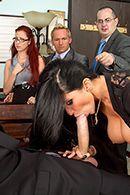 Горячее порно молодого сотрудника с горячей начальницей в офисе #3
