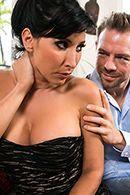 Смотреть жаркое порно со зрелой брюнеткой #2