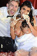Смотреть жаркий секс шафера с невестой перед венчанием #2