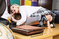 Секс учителя со школьницей легкого поведения