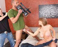 Смотреть порно зрелая мамка скачет на большом члене - 2