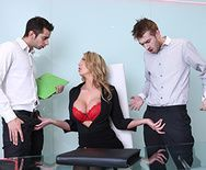 Смотреть горячий секс с пылкой блондинкой в больнице - 2