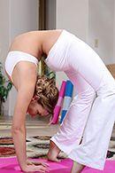 Порно тренера йоги с пышнозадой красоткой #2