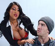 Смотреть жаркий секс пышногрудой латинки и худого парня - 1