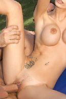 Секс на природе с молоденькой худой блондинкой с упругими сиськами #4