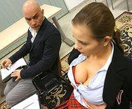 Смотреть горячий секс со школьницей с пирсингом - 1