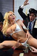 Шикарный секс в офисе с горячей блондинкой в сексуальных чулках #3