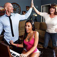 Страстный секс учителя музыки с пышной красоткой