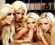 Групповой секс с четырьмя сексуальными блондинками - 2