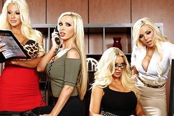 Групповой секс с четырьмя сексуальными блондинками