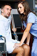 Секс пациента с милой жопастой медсестрой #2
