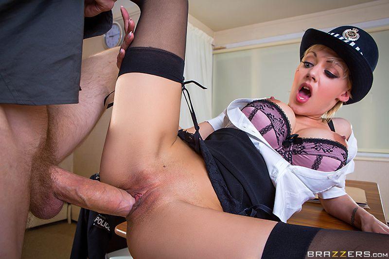 Горячий секс с блондинкой в униформе на столе #5.