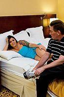 Горячее порно массажиста с пышной опытной мамкой #2