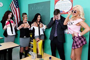 Порно препода с пышной привлекательной студенткой