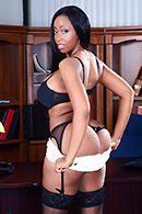 Межрасовый секс с пышной чернокожей секретаршей #5