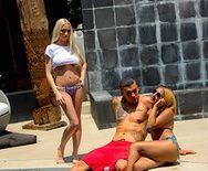 Жесткое анальное порно с молодой блондинкой с упругой попкой - 1