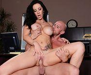 Порно шефа с горячей пышной секретаршей - 3