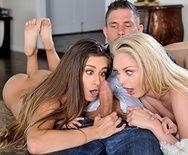 Смотреть групповое порно с молодыми лесбиянками - 1