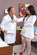 Смотреть порно с горячей медсестрой с огромной задницей #2